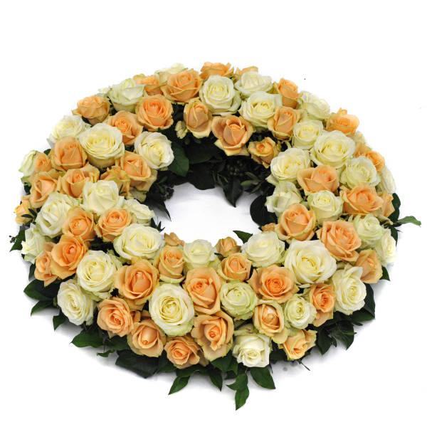 STRUB Blumenkranz in lachs und weiss Farbtönen