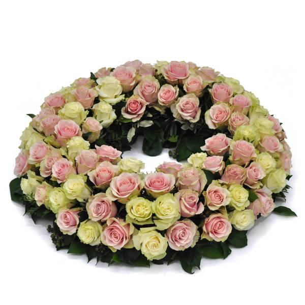 STRUB Blumenkranz mit rosa und weissen Rosen